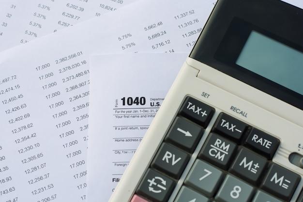 Amerikaanse belastingvorm met penbelastingconcept