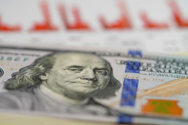 Amerikaanse dollar op millimeterpapier.