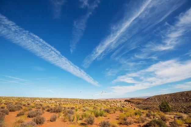 Amerikaanse landschappen - prairie in de herfst, utah, vs.