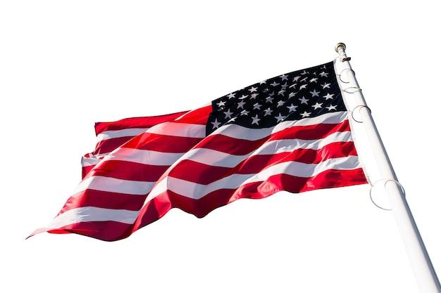 Amerikaanse nationale vlag wapperend op de wind geïsoleerd