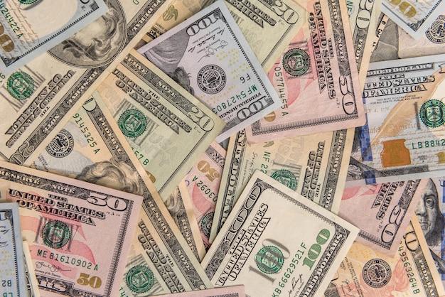 Amerikaanse papieren dollarbiljetten als achtergrond