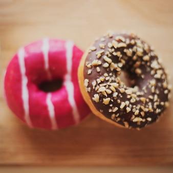 Amerikaanse verglaasde doughnouts van de close-up