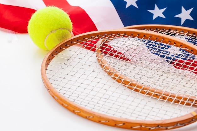 Amerikaanse vlag met tennisrackets.