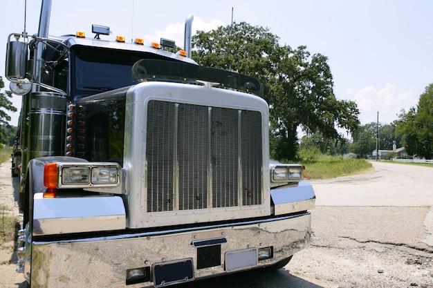 Amerikaanse vrachtwagen met roestvrij staal