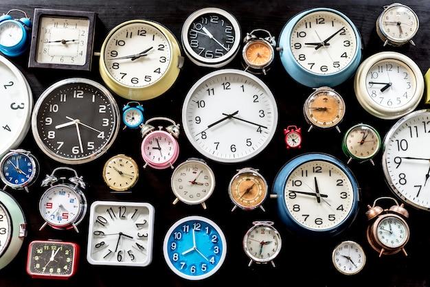 Analoog retro kloktijd punctueel gereedschap