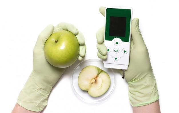 Analyse voor nitraten en straling elektronisch apparaat.