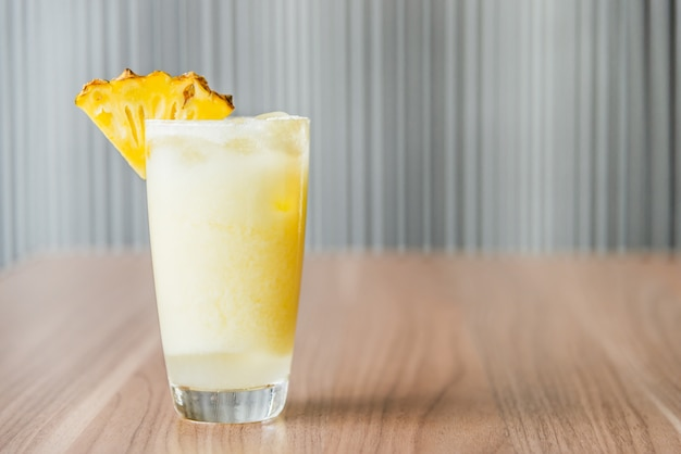 Ananas cocktails sap