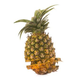Ananas geïsoleerd geen witte achtergrond