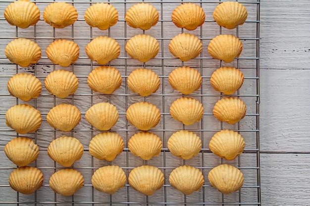 Ananastaartjes of ananascake is een zoet traditioneel taiwanese gebak.