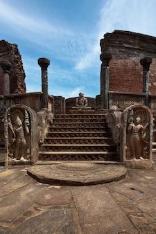 Ancient vatadage (boeddhistische stoepa)