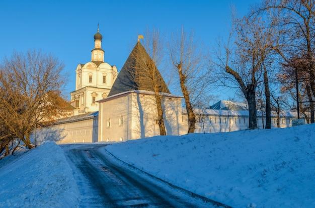 Andronikov klooster van de verlosser spaso-andronikov monastyr, een voormalig klooster in moskou, rusland.