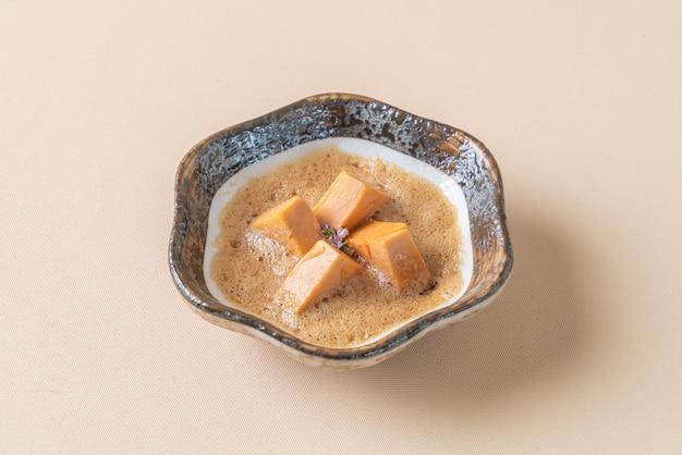 Ankimo, zeeduivellever met ponzu-saus - japans eten