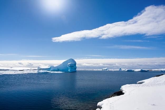 Antarctische ijsberg
