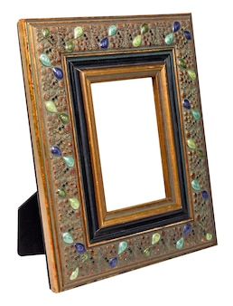 Antiek houten fotokader met lege die ruimte op witte achtergrond wordt geïsoleerd
