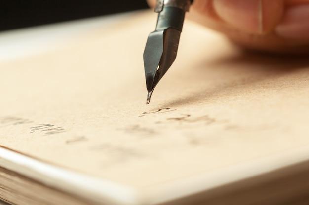 Antiek vulpen schrijven