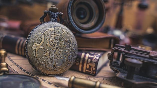 Antieke horloge hanger