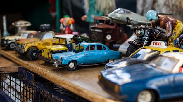 Antiekmarkt objecten samenstelling