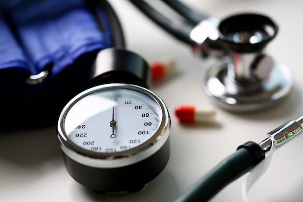 Apparaat om bloeddruk in arts te meten