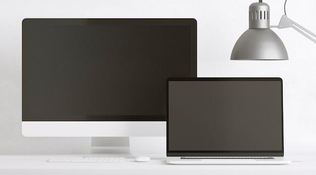 Apparaten en lamp op bureauopstelling