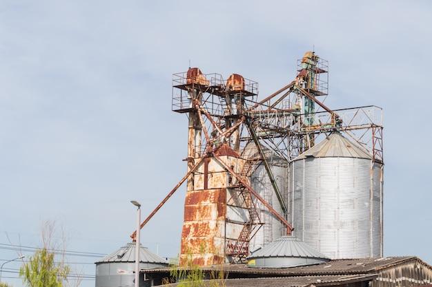 Apparatuur en infrastructuur voor rijstverwerkende industrie