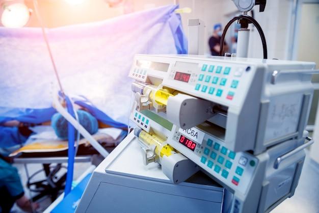Apparatuur en medische hulpmiddelen in de operatiekamer