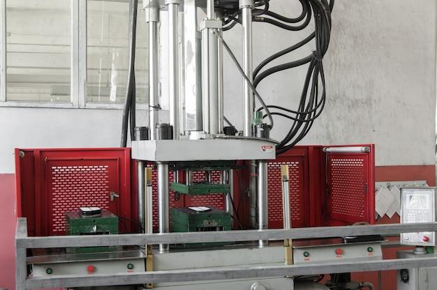 Apparatuur voor de productie van filters voor auto's