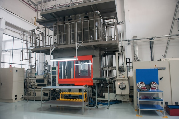 Apparatuur voor het controleren van de kwaliteit van afgewerkte producten. fabriek voor de productie van autokoplampen