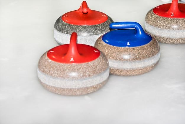 Apparatuur voor het curling van sportwedstrijden op het ijs