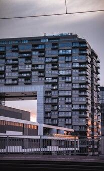 Appartementengebouw met balkons