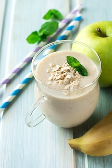 Appel-bananensmoothies met havermout