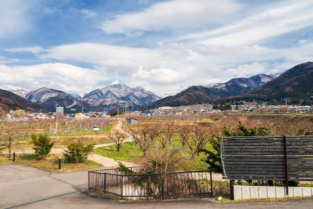 Appelboerderij met centrale alpen, yamanouchi