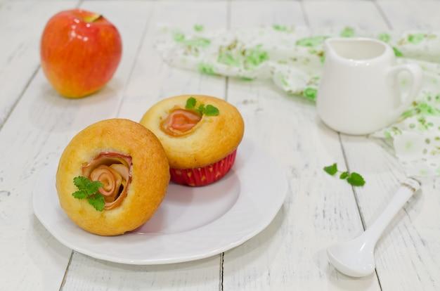 Appelmuffins met verse appelen