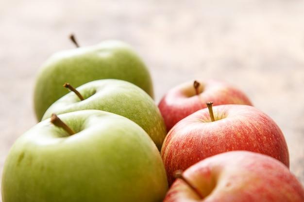 Appels op de tafel