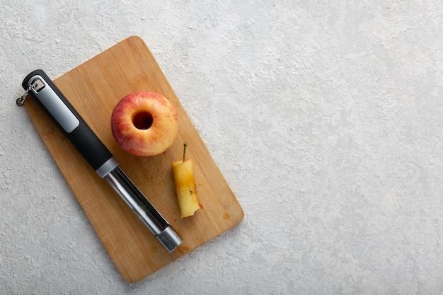 Appels schillen voor jam of taartvulling