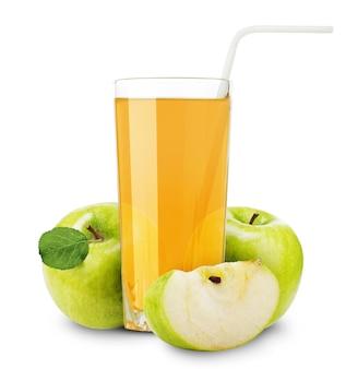 Appelsap en plakjes sinaasappel geïsoleerd