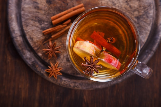 Apple cider drink, juice, cider with spices, kaneelstokjes