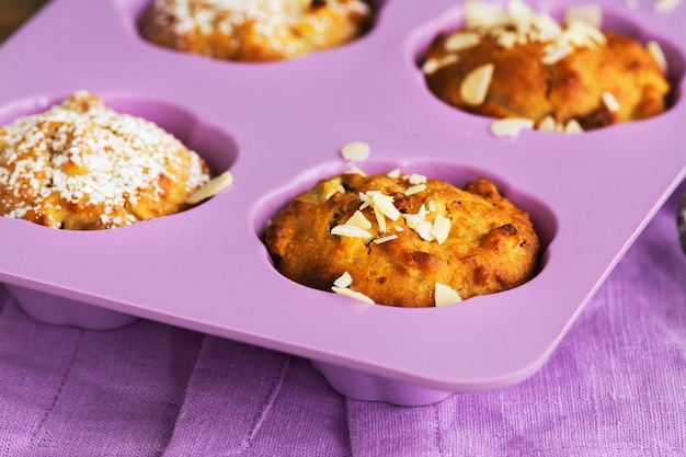 Apple cupcakes over houten tafel