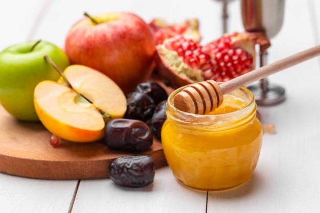 Apple en honing, traditionele gerechten van het joodse nieuwjaar