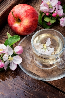 Apple fruitthee