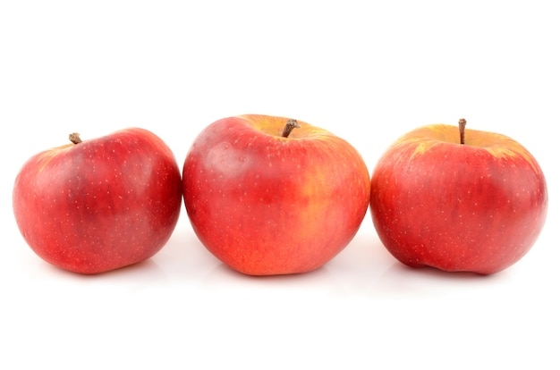 Apple geïsoleerd op wit
