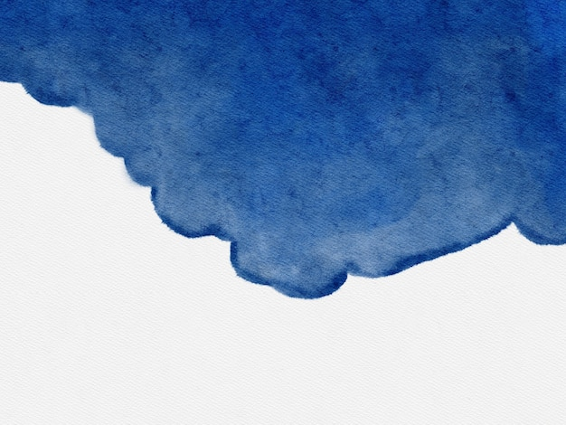 Aquarel blauwe vlek op wit papier