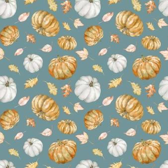 Aquarel naadloze patroon van kleurrijke pompoenen en herfstbladeren. thanksgiving day pompoenen achtergrond. halloween botanische illustratie - witte en oranje pompoenen.