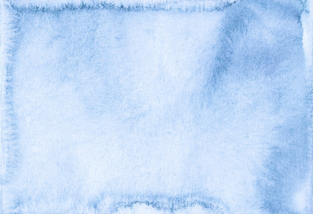 Aquarel pastel blauwe achtergrond schilderij textuur. rommelige blauwe en witte vloeibare artistieke achtergrond. vlekken op papier.