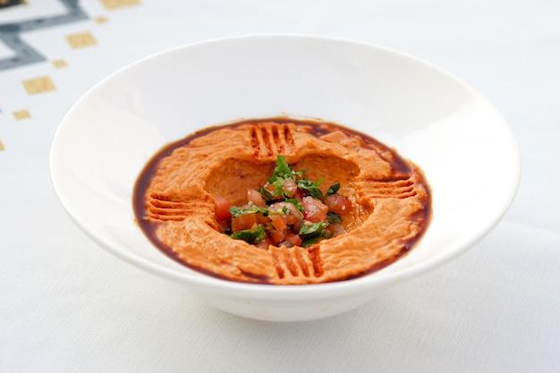 Arabische hummus, egyptische keuken, midden-oosterse gerechten, arabische mezza, arabische keuken, arabische gerechten