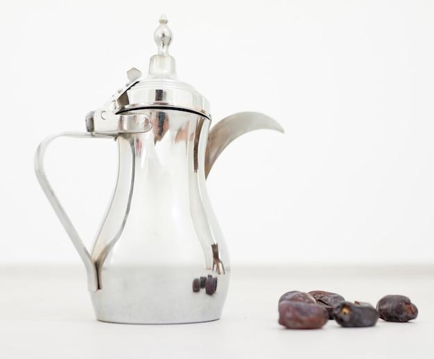 Arabische koffie klaar voor ramadan