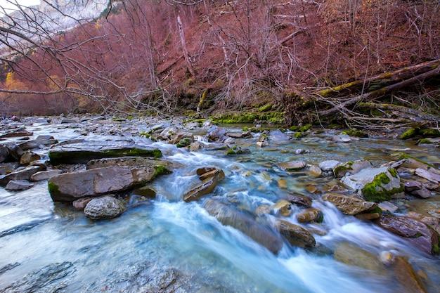 Arazas rivier valle de ordesa vallei pyreneeën huesca spanje