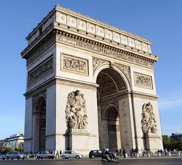Arc de triomphe in parijs frankrijk