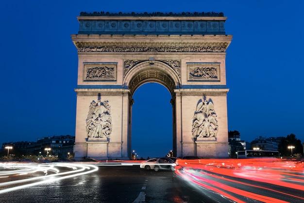 Arc de triomphe 's nachts, parijs frankrijk