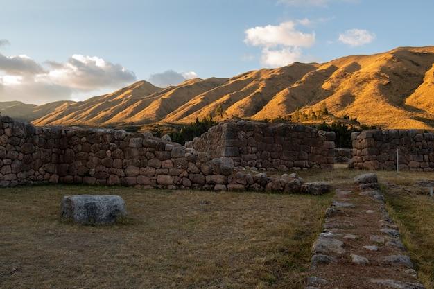 Archeologisch centrum van puka pukara, cusco, peru op 5 oktober 2014