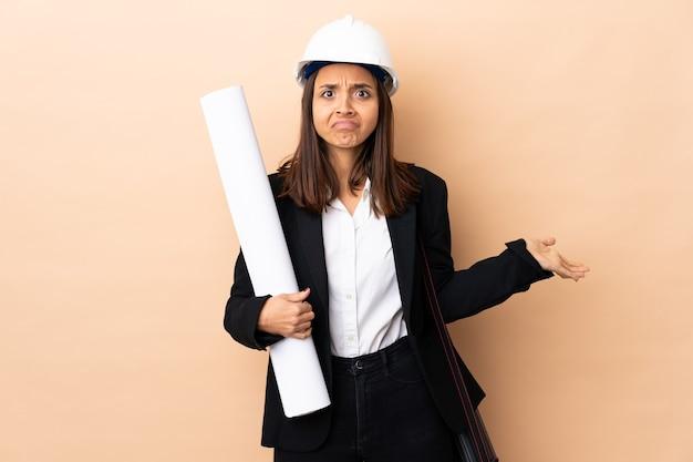 Architect vrouw met blauwdrukken